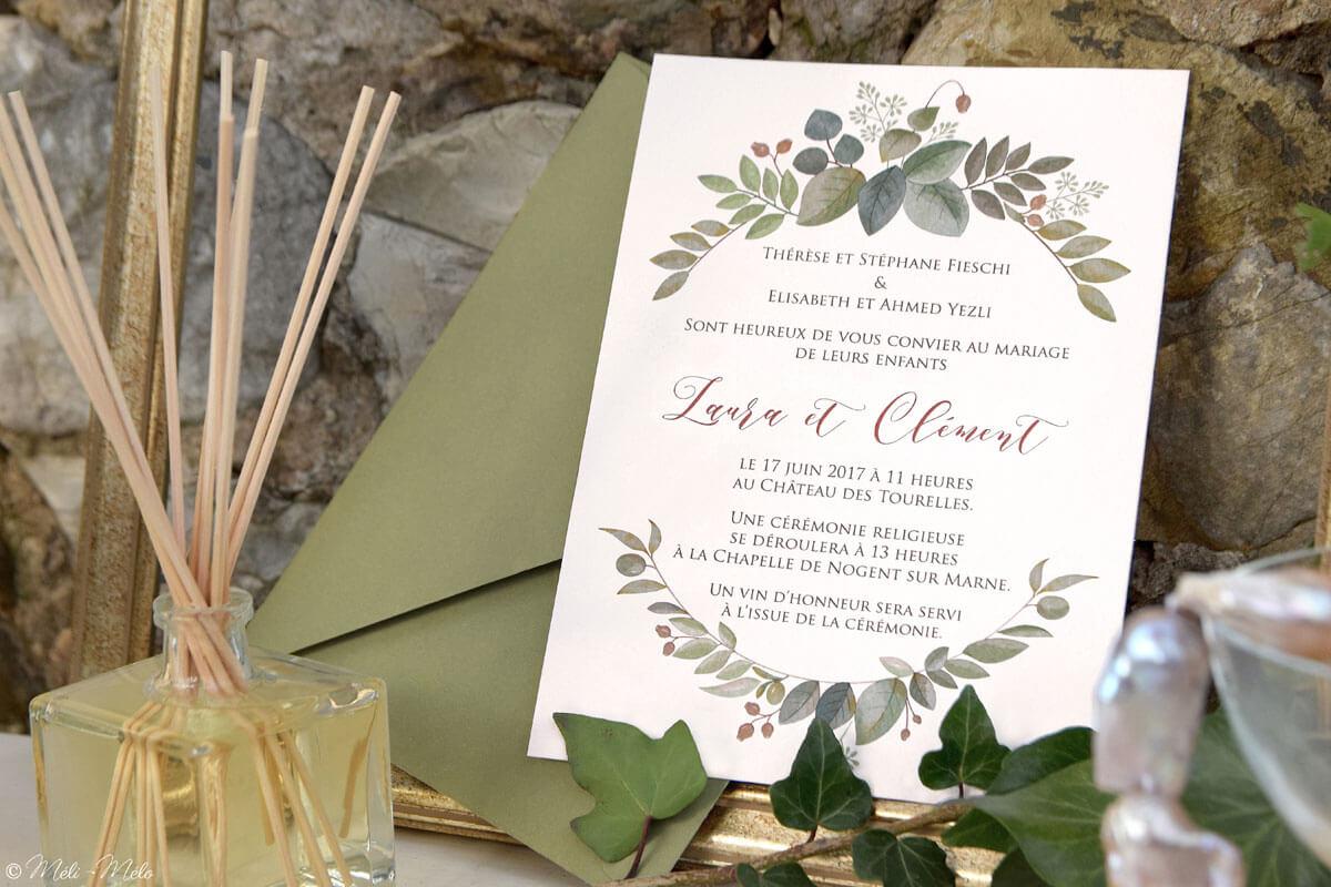 partecipazione di matrimonio con busta verde e profumo d'ambiente