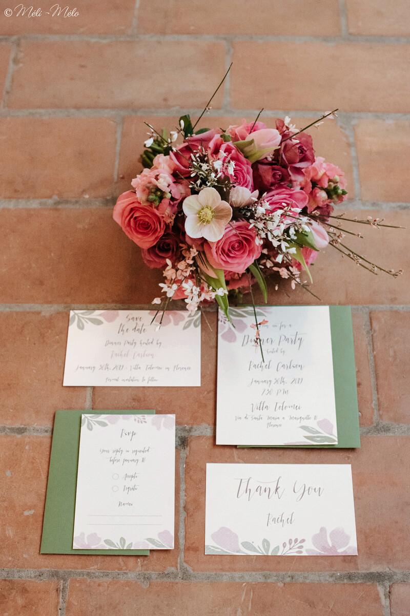 coordinato partecipazioni nozze con mazzo di fiori