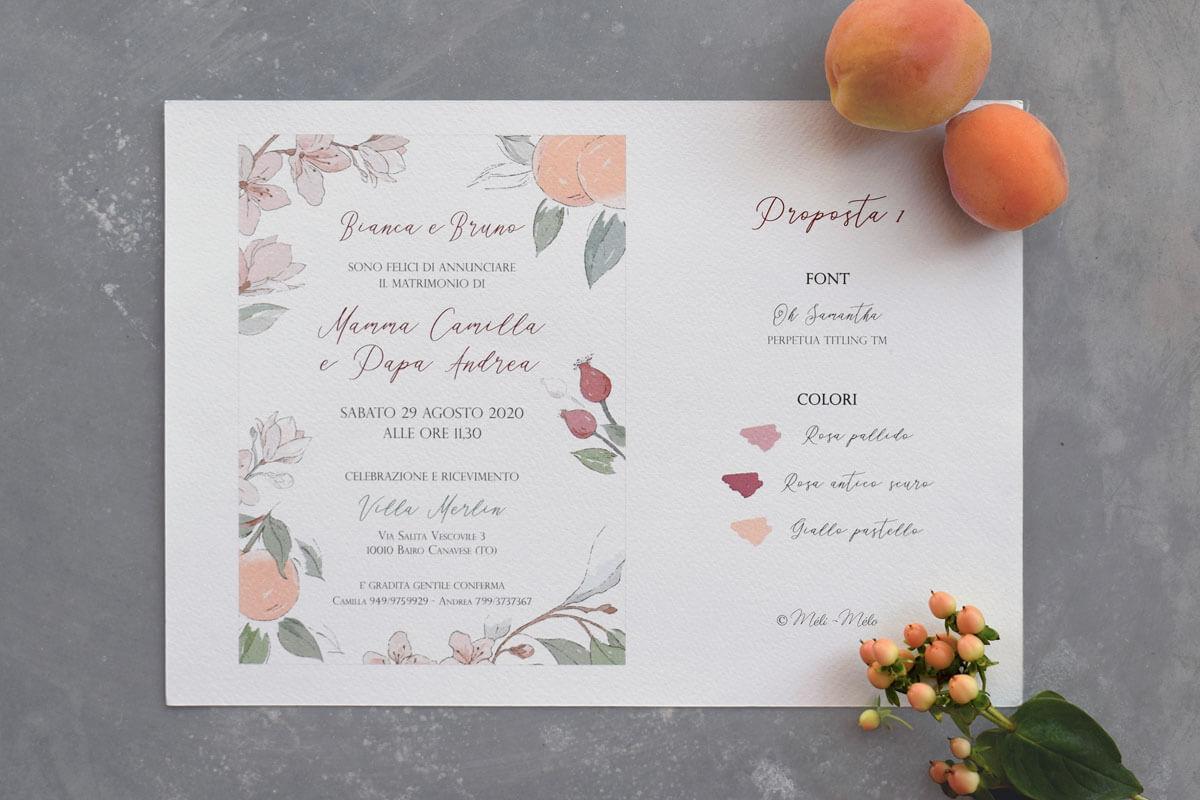una proposta di bozza per una partecipazione di matrimonio con frutta e fiori