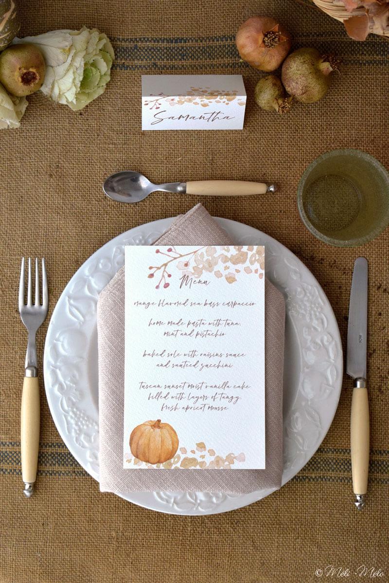 piatto con menu e segnaposto a tema autunno
